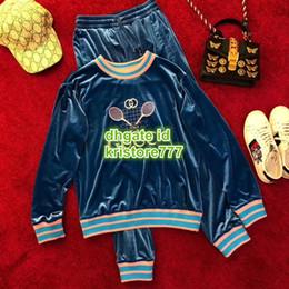 Calças jogging jersey on-line-2019 Mulheres de Luxo Designer de Jogging Jersey Velour Duas Peças Calças Com Logotipo Tênis Tops Camisa Moletom + Calças Compridas Feminino Runway Conjuntos Ativos