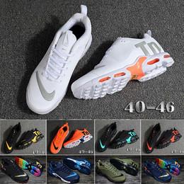 2019 migliori scarpe uomo di formazione nike Tn plus air max airmax 40-47 Designer scarpe di lusso di moda da uomo Scarpe da corsa Runner da allenamento Formazione migliore qualità air chaussures da uomo TN PLUS V2 max sconti migliori scarpe uomo di formazione