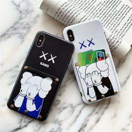 una parte posteriore della tasca Sconti One Piece cassa del telefono di lusso per l'iPhone 6S 7 8P XS 11 casi di bambola telefono Designer 11PROMAX moda cover posteriore con della carta della tasca