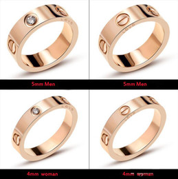 2019 impostazioni del diamante rotondo Anello da donna classico di lusso con gioielli di design con anelli da uomo in cristallo anelli d'oro in acciaio inossidabile 18k amore braccialetto vite braccialetto bracciali