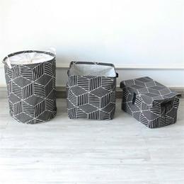 Faltbare kleiderkästen online-Neue Quadratische Einfache Geometrische Kleidung Empfang Box Hot Home Faltbare Reinigung Wäschekorb Hohe Qualität 13 5 mz Ww