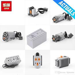 ролик дистанционного управления Скидка Lepin Motor Technic 8883 8881 8882 поезд пульт дистанционного управления батарейный шкаф переключатель LED свет функции питания 15039 20006 американские горки