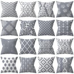 travesseiros decorativos cinza Desconto ZENGIA Geométrica Capa de Almofada 45 * 45 cm Poliéster Cinza Throw Pillow Caso Tarja Pontilhada Travesseiro Triangular Travesseiros Decorativos