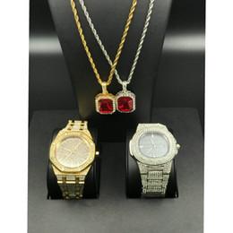 2019 conjuntos de colarinho de rubi Hip Hop Homens de luxo fora congelado Diamond Watch vermelho do rubi Colar Combo Set 2 pingente de diamante set Bling Rapper Homens Jóias conjuntos de colarinho de rubi barato