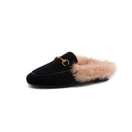 vendre la ligne des cheveux Promotion Nouvelle mode automne hiver femmes pantoufles haute qualité velours tissu confortable lapin doublure de cheveux chaud vente mules femmes