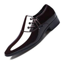 soziale schuhe männer Rabatt lackleder schuhe für männer kleid schuhe oxford für männer müßiggänger de hombre de vestir formal sapato social jkm89