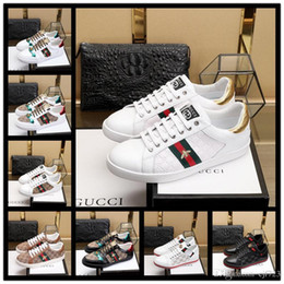 hot cock men Coupons - Hot Sell sneaker Ace leather sneaker 100% Genuine Leather trainers men women Classic Casual Shoes python tiger bee Flower Embroidered Cock