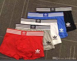 2019 hombres transpirables ropa interior suave Mens Boxers calzoncillos de la letra breve para los hombres Pantalones cortos masculinos atractivos Boxer Marca U desde fabricantes
