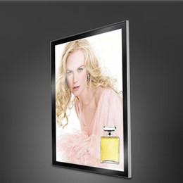 poster schwarzes licht Rabatt Silber oder Schwarz Aluminium Profil Magnetic Light Box Wand Light Box für Kosmetik Poster Display mit Holzkiste Verpackung (60 * 90 cm)