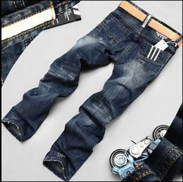 2019 farb-jeans für herren Mode Biker Jeans Button Fly Hosen Designer Herren Jeans Hohe Qualität Blau Schwarz Farbe Gerade Zerrissene Jeans Für Männer rabatt farb-jeans für herren
