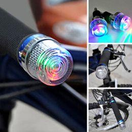 2018 Manubrio Bicicletta Grip Plug LED Light Equitazione Ciclismo Avvertimento Torce Elettriche Torcia Lampada Bike Faro supplier plug flashlight da torcia elettrica della spina fornitori