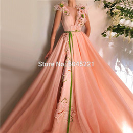 2019 barato sexy noite vestidos Pêssego Flores Sashes A Linha de Vestidos de Noite 2019 Com Decote Em V Sexy Tule Muçulmano Islâmico Dubai Prom Vestidos de Festa Feitos À Mão Robe De Soiree