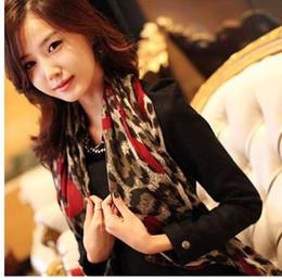 Sciarpa chiffona di seta del leopardo online-1 pezzo di moda stile leopardo alla moda lunga morbida sciarpa in chiffon di seta rubato sciarpe scialle dell'involucro per le signore vendita calda