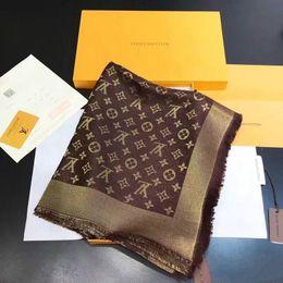 Shinning Golden Silk Wolle Seide hochwertigen Schal Marke weiblichen Schal dickes Dreieck 140x140cm Schal AME02A von Fabrikanten