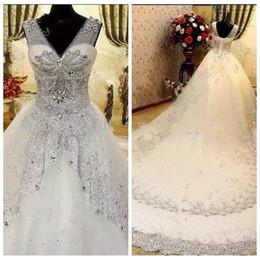 Encaje de boda pura online-2019 Sheer V-cuello Bling Bling Crystal Crystal Beaded Wedding Dresses Lentejuelas de lujo con cordones Volver Vestidos de novia Vestidos de boda de moda a medida