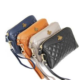 Deri cüzdan 2019 Avrupa ve Amerika kadın ilk katman dana küçük arı kabuk tipi debriyaj çanta uzun bölüm moda ekose cüzdan yeni supplier wallets europe nereden avrupa cüzdanları tedarikçiler