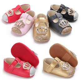 Lentejuelas multi color online-2019 primavera verano bebé corona zapatos recién nacido infantil de lentejuelas primeros caminantes antideslizante zapatos de niño de fondo blando 5 colores C6447