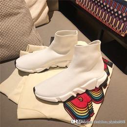 2019 bottes plates jaunes Nouveau designer hommes et femmes entraîneur de vitesse chaussettes confortables chaussures noir blanc rouge sac jaune kaki mode hommes casual bottes promotion bottes plates jaunes