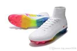 Scarpe da calcio di ottima qualità White Rainbow 100% Original Tacchetti da calcio Mercurial Superfly V FG Scarpe da calcio di alta qualità