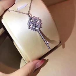 2019 colares modelo medalhão Pendant mais recente para as mulheres da moda encantadora Pendant Key de