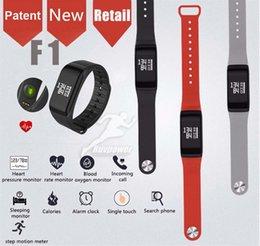 2019 интеллектуальные спортивные часы gps tracker Новый F1 Smart Band Bluetooth Smart Watch Монитор сердечного ритма Водонепроницаемый Спортивный Запястье Фитнес-Трекер для Android с розничной упаковке дешево интеллектуальные спортивные часы gps tracker