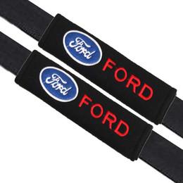 2019 estilo ford kuga 2 pçs / set Universal Almofadas de ombro de cinto de segurança de algodão cobre emblemas para Ford focus 2 3 fiesta kuga mondeo Emblemas acessórios auto Car-styling estilo ford kuga barato