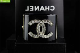 braccialetto in oro smeraldo Sconti Bracciale chiaro della perla della stella punk retro cranio regalo di Natale di cristallo di alta della donna