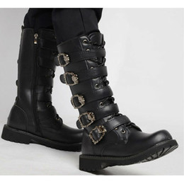cowboy wölbungsstiefel herren Rabatt Punk Rock Herren Schwarz Goth Mid Calf Boots Große Britische Cowboy Schuhe Gürtelschnalle Armee PU Leder Plus Sz A877