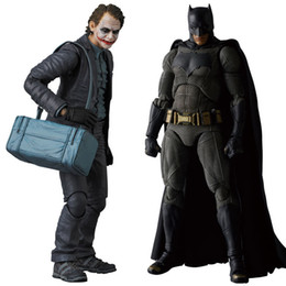 modelos de batman Rebajas MAFEX NO.015 017 Batman The Dark Night The Joker Acción de PVC Figura de colección Modelo de juguete 15cm