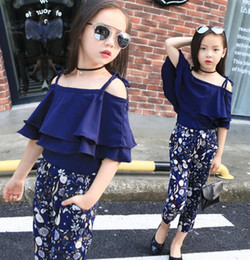 Camicie da spiaggia online-Girl Boutique Clothing Sets Baby Off Shoulder Tops Pant Set Chiffon Tee Shirt Floral Print Pants Children Beachwear Suit GGA3508-3