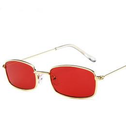 Tonalità del sole online-Occhiali da sole vintage da donna Occhiali da vista rettangolari Designer di marca Piccoli occhiali da sole retrò Giallo rosa Sunnies Occhiali da sole-donna