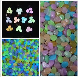 Pietre solari di luce online-Multicolor Solar Glow Stone Simulazione Leggeri ciottoli luminosi Pebble Aquarium Fish Tank Decorazione della fontana dell'acqua del giardino