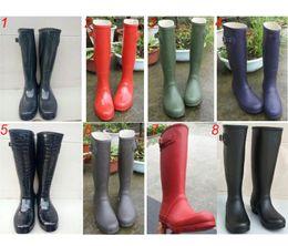 Estilos de sapato aquático on-line-Moda Feminina Rainboots Joelho-alto Botas de Chuva Alta Famosa Marca de Água À Prova D 'Água Sapatos de Água Estilo Inglaterra Ladies Rainshoes 8 Cores C8602