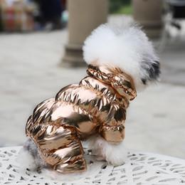 Gato chaquetas de mascotas online-2019 trajes de lana de invierno cálido acolchadas Para los Mascotas lujo calentamiento chaqueta de la capa del chaleco del perrito de Ropas Espesar con capucha ropa para perros Bulldog peluche