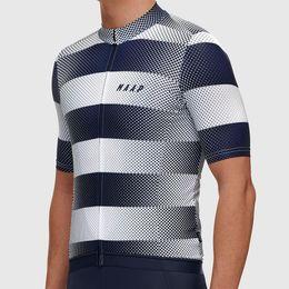 Nuevo 2018 Pro Fit Jersey de ciclismo Maillot Ciclismo Ligero suave Jerseys de bicicleta La mejor calidad de manga corta ropa de ciclismo top desde fabricantes