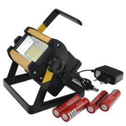 Carregador de destaque on-line-NEW LED holofote 30W Refletor Led Flood Luz Spotlight impermeáveis Projetores luz ao ar livre + 4x18650 carregador de bateria