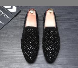 2019 zapatos de noche para hombres 2019 Nuevo diseñador de la marca británica de lujo de los hombres de la boda zapatos de fiesta de noche Glitter Rhinestone Homecoming Prom shoes 1h17 rebajas zapatos de noche para hombres