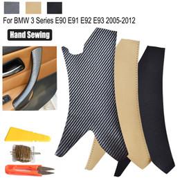 tiras de acabamento em cromo interior Desconto Para Handle BMW Série 3 E90 E91 E92 E93 05-12 textura carbono / preto interior porta tampa da mão de costura de couro Porta de painel Pull guarnição