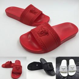 Falhanços de corrente on-line-2019 Reação Em Cadeia Mens Designer de Chinelos Designer de Moda de Luxo Mulheres Sapatos Sandálias Preto Vermelho Azul Medusa chinelos Sapatos Tamanho 36-46