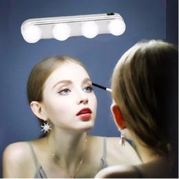 2019 аккумуляторные фары 4 Bulb  Mirror Light Headlights Installed Convenient Suction Cup  Lamp LED Mirror Light Battery Powered Gift дешево аккумуляторные фары