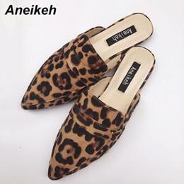 leopardo impressão flats apontou dedo Desconto Aneikeh Verão Flats mulas Lady sandálias Leopard Print Slip On Toe Apontado Mulheres mulas Outdoor Moda Flats Shoes Muje