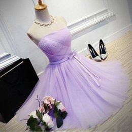 Vestido de fiesta de tul morado online-Vestidos de fiesta de fiesta de fiesta baratos, púrpura, hasta la rodilla, sin tirantes, mucama del vestido de dama de honor de octavo grado Vestido de Festa