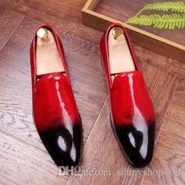 остроконечные ботинки для мальчиков Скидка Дизайнерские Яркие Лакированные Кожаные Формальные Костюмы Мужские Кроссовки Мальчик Партия Офис Свадебные Скольжения На Квартирах Острым Носом