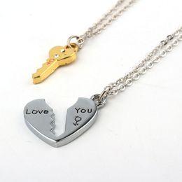 Coppie rotte del cuore pendente online-2 pz / set amore chiave cuore collane con ciondolo per donna uomo amanti coppia gioielli cuore spezzato collana regalo di san valentino n1362
