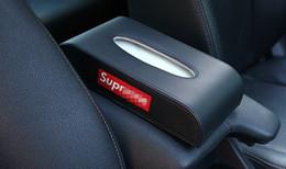 2019 copertura in plastica a distanza Scatola di tessuto personalizzata montata su veicolo Tipo di sedile creativo di alta qualità Home Scatole di tessuto auto Interni auto Rosso nero