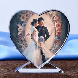 2019 ornamenti di vetro di vetro Personalizzato a forma di cuore foto album ornamenti in vetro immagine personalizzata incollare in vetro in miniatura home decor fai da te amore regali J190713 sconti ornamenti di vetro di vetro
