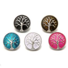 Belleza encanto colorido árbol de la vida 18 MM botones a presión de metal 4 colores para bricolaje broche de joyería al por mayor desde fabricantes