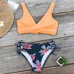 boho badebekleidung mit blumen Rabatt Cupshe orange und lila Blumen Lace-Up Bikini-Sätze Frauen Boho zwei Stücke Zu 2019 Bikini-Badebekleidungs-Strand Badeanzug Mädchen