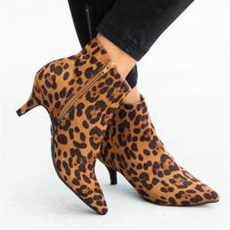 zapatos de vestir de estilo europeo Rebajas Tamaño 35-51 Niza Nuevo estilo de Europa del partido las botas del tobillo de las mujeres otoño salvaje leopardo del club mujer de los zapatos los tacones altos vestido atractivo de las señoras de arranque