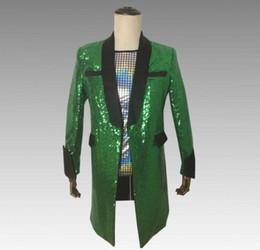 Trajes de hombre verde online-Lentejuelas verdes blazer hombres trajes diseños chaqueta para hombre trajes de escenario para cantantes ropa estilo estrella del baile vestido punk rock masculino 0205